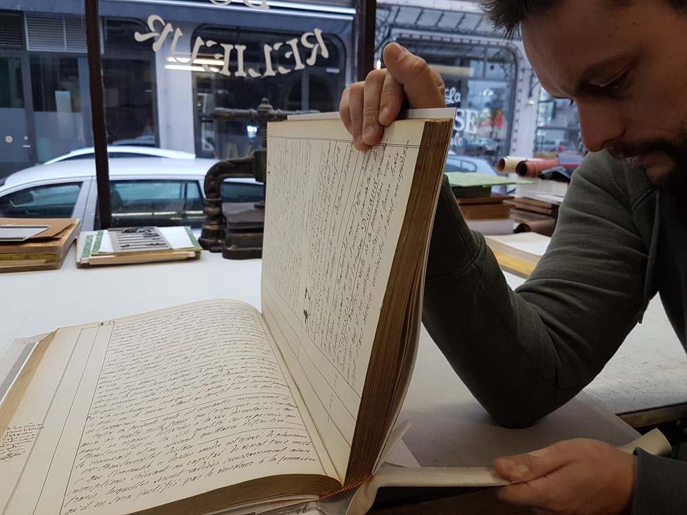finition-livre-ancien-atelier-reliure-geneve-suisse