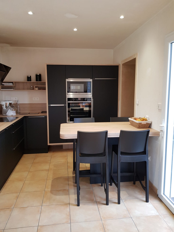 cuisine en stratifi noir  Atelier du Bocage