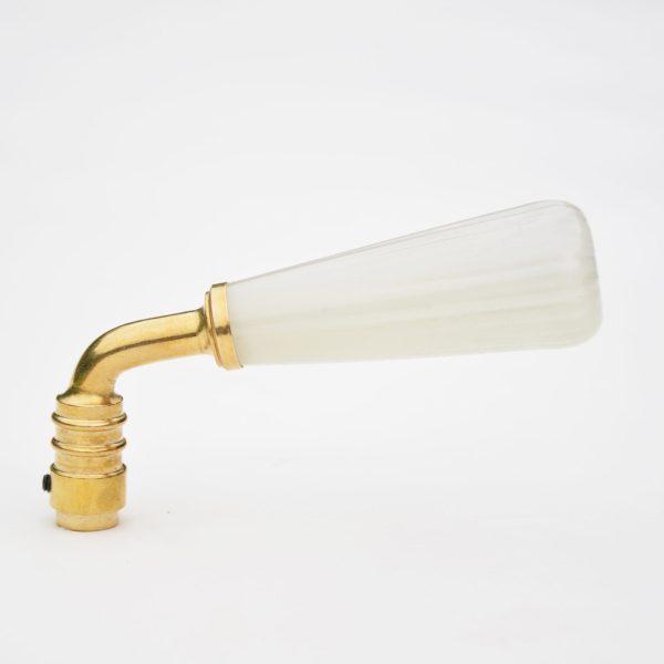 poignee de porte en verre cotelé couleur ivoire et laiton-glass door handle