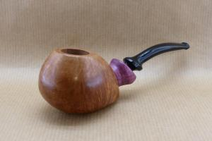 """Front view of my pipe """"Arramite"""" : Briar and Amaranth wood."""