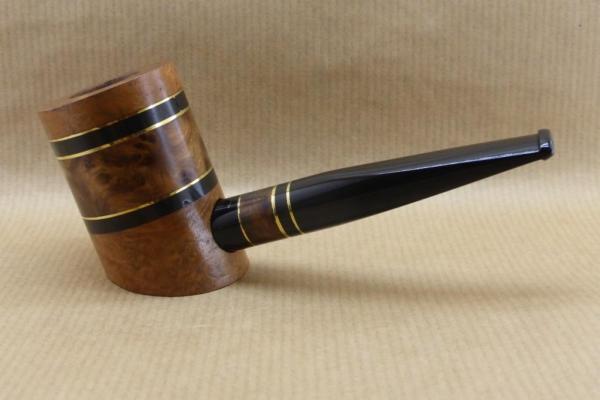 """Présentation de la collection """"COLORS"""" : Pipes à tabac contemporaine. No3 Broussin de Thuya"""