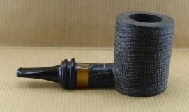 Superb tobacco pipe in oak wood or Morta, with its amber-style acrylic ferrule.