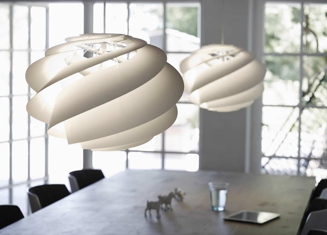 Witte hanglampen en deens design