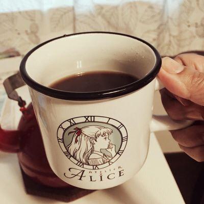 アリスのマグカップ