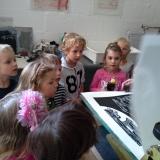 Kindergartenkinder zu Besuch II