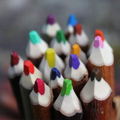 couleurs vives et intense fagot de crayons de couleur fabrication française