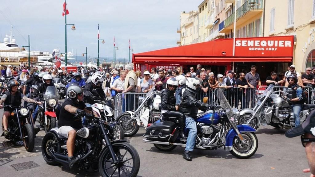 Programme EuroFestival Grimaud Harley-Davidson au bord de la plage St Tropez jusqu'à Grimaud, Que vous soyez amateurs ou passionnés, c'est un événement à ne pas manquer. Des milliers de motos défilent dans un bruit assourdissant. Agenda auto moto de Daniela DAUDE artiste, mobilier avec pièces autos motos