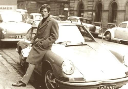 jochen-rindt-porsche-911-1967 JOCHEN John Surtees, Jochen Rindt, Jack Brabham, Grand Prix of Germany, Nurburgring, Jochen Rindt, Lotus 49 Article rédigé par Daniela DAUDE artiste mobilier avec pièces autos. La vie, la carrière, l'accident mortel à Monza en 1970 de Jochen Rind