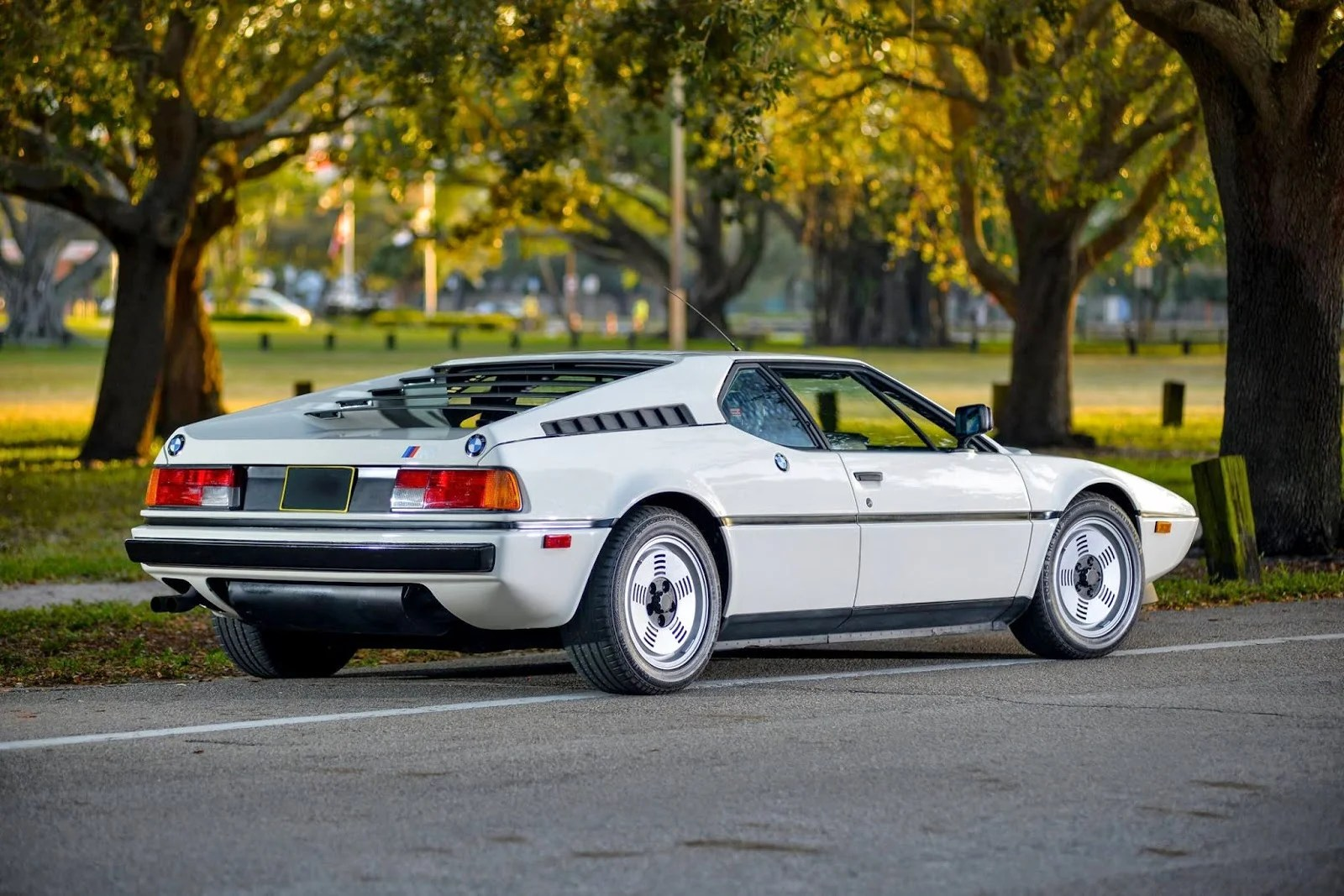 BMW M1 Rencard Amandinois SAINT AMAND LES EAUX