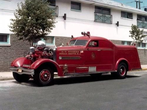 1937 pompe-Fox berline pompe, châssis schacht et une Cadillac Berline Mensuel Américaines LE MANS
