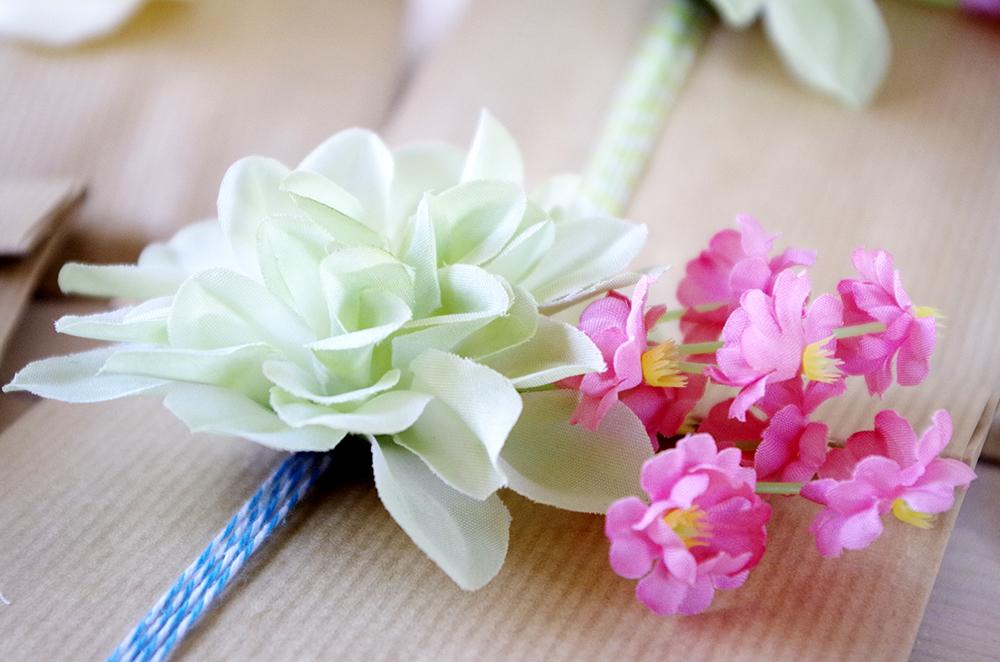{DIY} Des broches en fleur pour mes copines 19