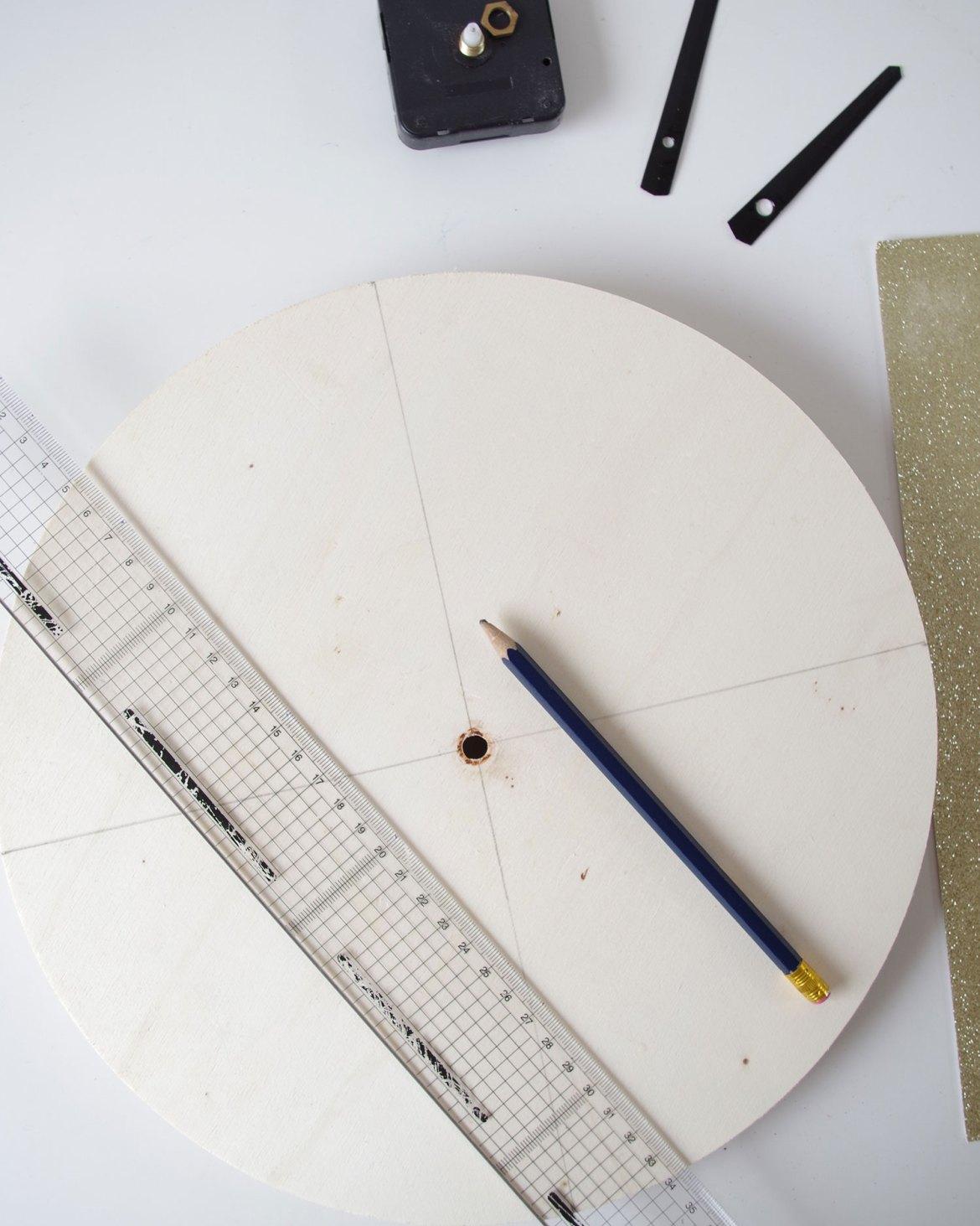 {DIY} Il est pile poil l'OR sur mon horloge (2)