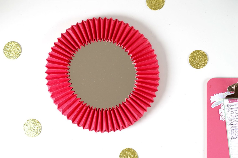 DIY Un cadre En origami pour mon miroir pour un look géométrique (1)