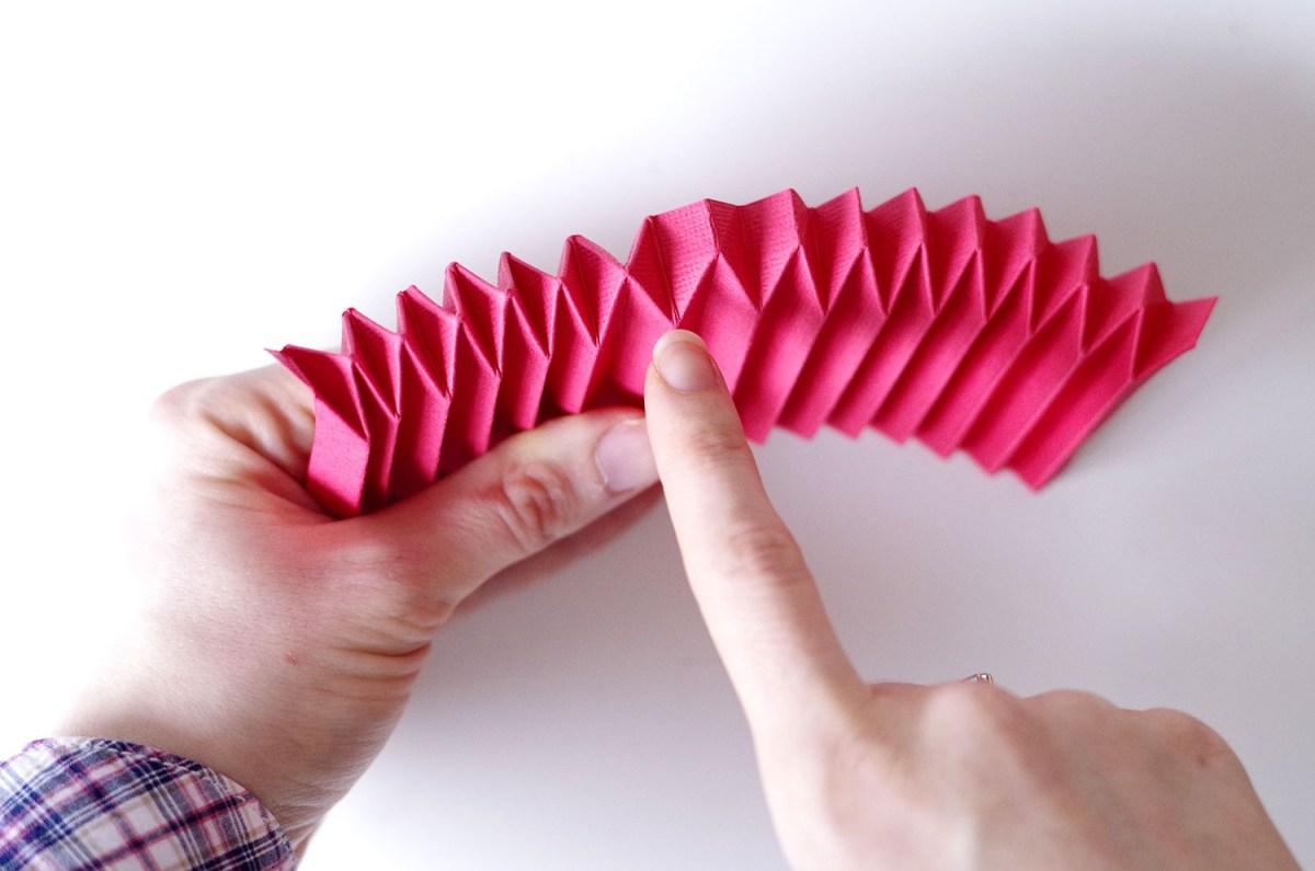 DIY Un cadre En origami pour mon miroir pour un look géométrique (7)