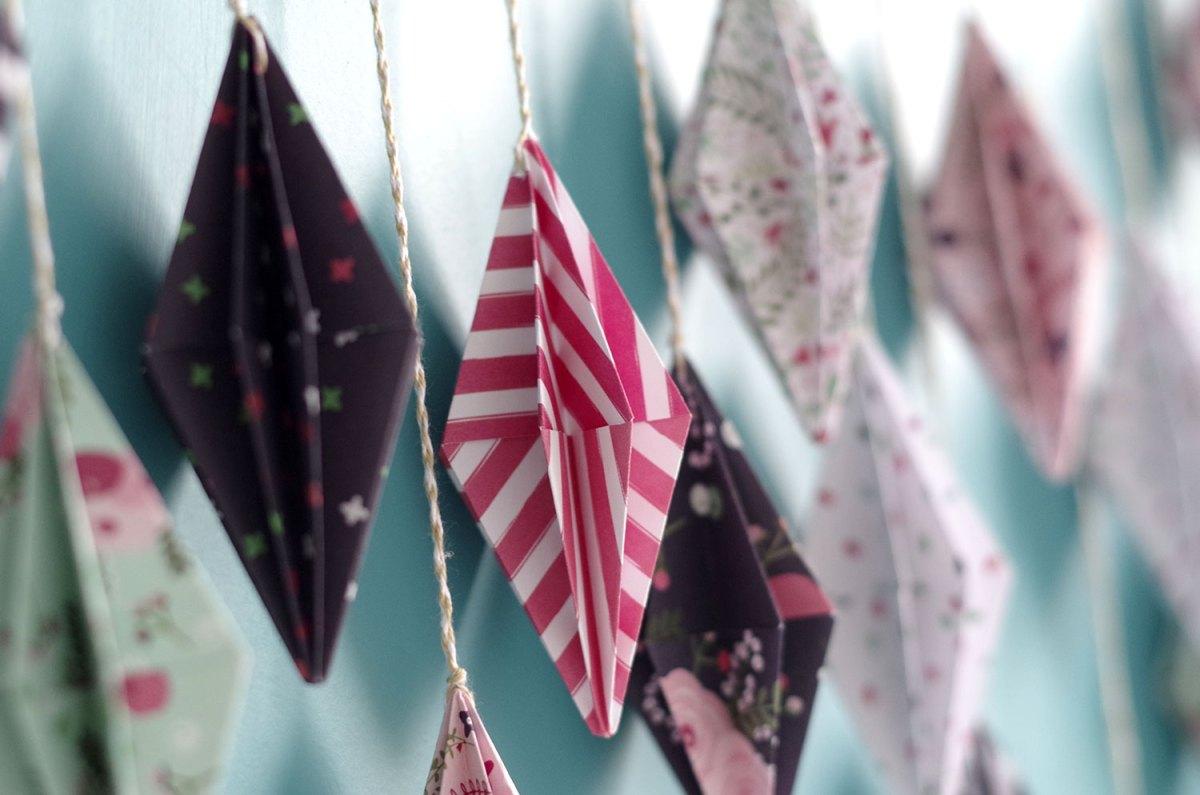 {DIY}-Ma-guirlande-de-diamant-Origami-détail-gros-plan