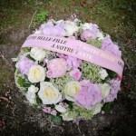 coussin-rond-camaieu-rose-atelier-lavarenne-fleuriste-lyon