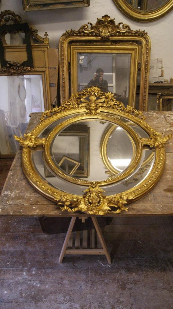 Mirror ovals of style Louis XVI