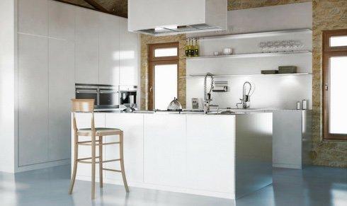 Cocina moderna en un entorno rústico