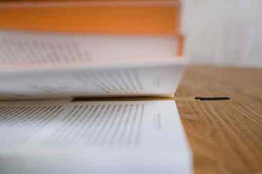Lesezeichen aus Messing von Monograph