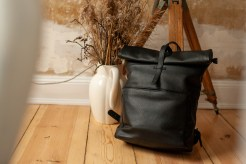 Herb Backpack schwarz von Monk and Anna, atelier.91