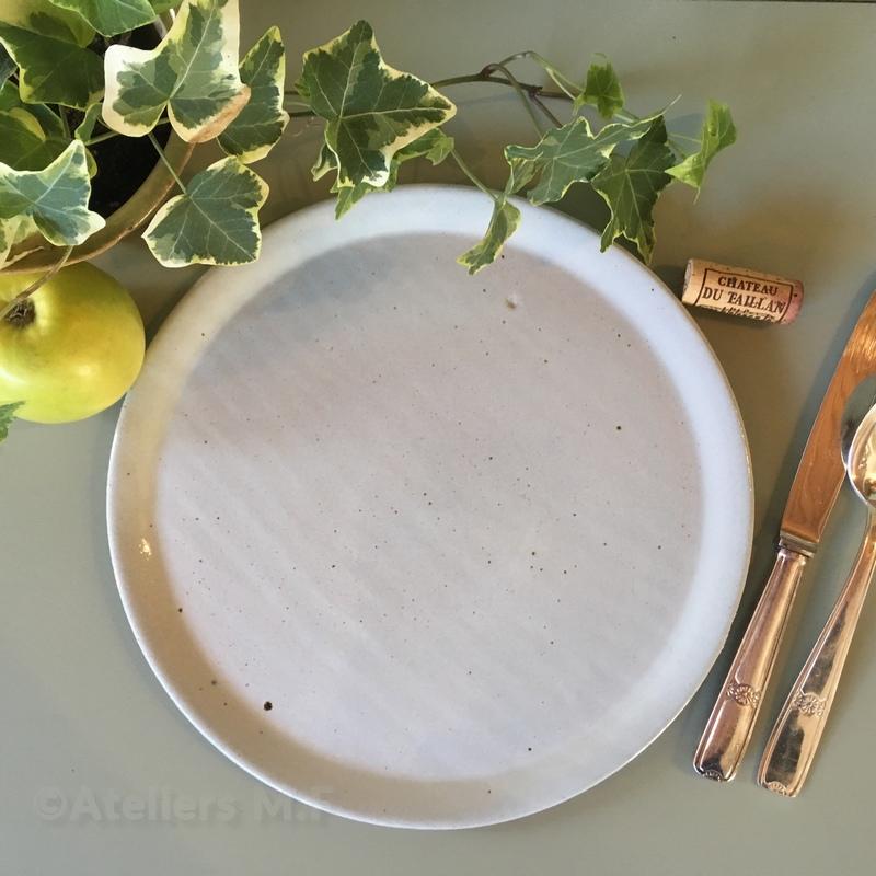 assiette plat o28cm resine en gres