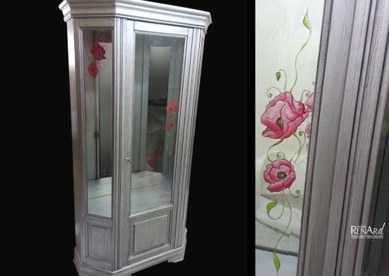 Patine métallisée avec décor peint sur meuble vitrine - Ateliers Renard
