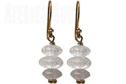 Handgemaakte goud op sterling zilveren oorhangers met drie Frosted kristal steentjes
