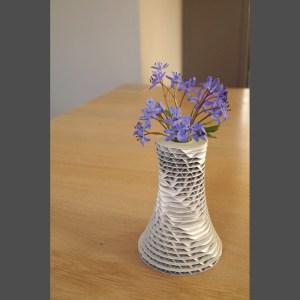 Petit vase envol blanc en carton