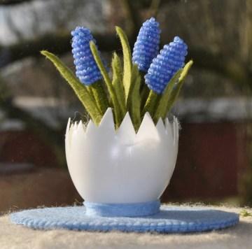 blauw druifje in een ei