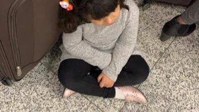 Photo of بالصور: مُسافرون عبر إحدى رحلات الطيران العُماني عالقون في اسطنبول