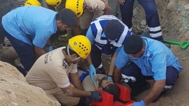 Photo of في الخوض: انهيار أتربة على عامل والدفاع المدني ينشر التفاصيل