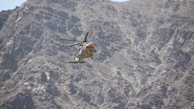 Photo of طيران الشرطة ينفذ عملية إنقاذ من وادٍ بنزوى