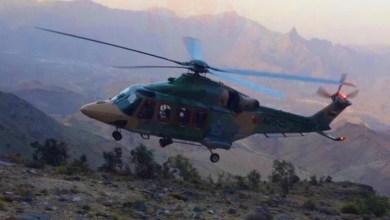 Photo of إنقاذ امرأة سقطت من جبل بالرستاق