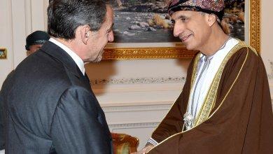 Photo of فهد بن محمود يستقبل الرئيس الفرنسي السابق