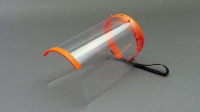 Photo of بالصور: شركة عمانية تصنع قناعًا للوجه مقاومًا للميكروبات