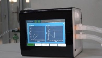 صورة بالصور: شركة عُمانية تبتكر جهاز تنفس اصطناعيًا بميزة مُتفرِّدة