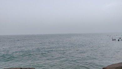 صورة غرق سفينة قبالة شاطئ العذيبة
