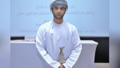 صورة شاب عماني يروي قصة نجاحه في قطاع الاتصالات