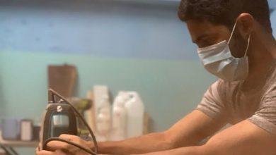 صورة شاب عُماني يُحوِّل شغفه إلى مشروعٍ تجاري أغناه عن الوظيفة