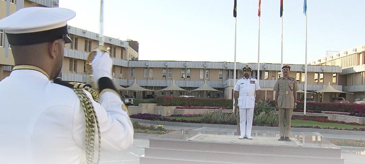 بالفيديو: مراسم التسليم والاستلام للمناصب العسكرية التي صدر فيها مرسومين سلطانيين