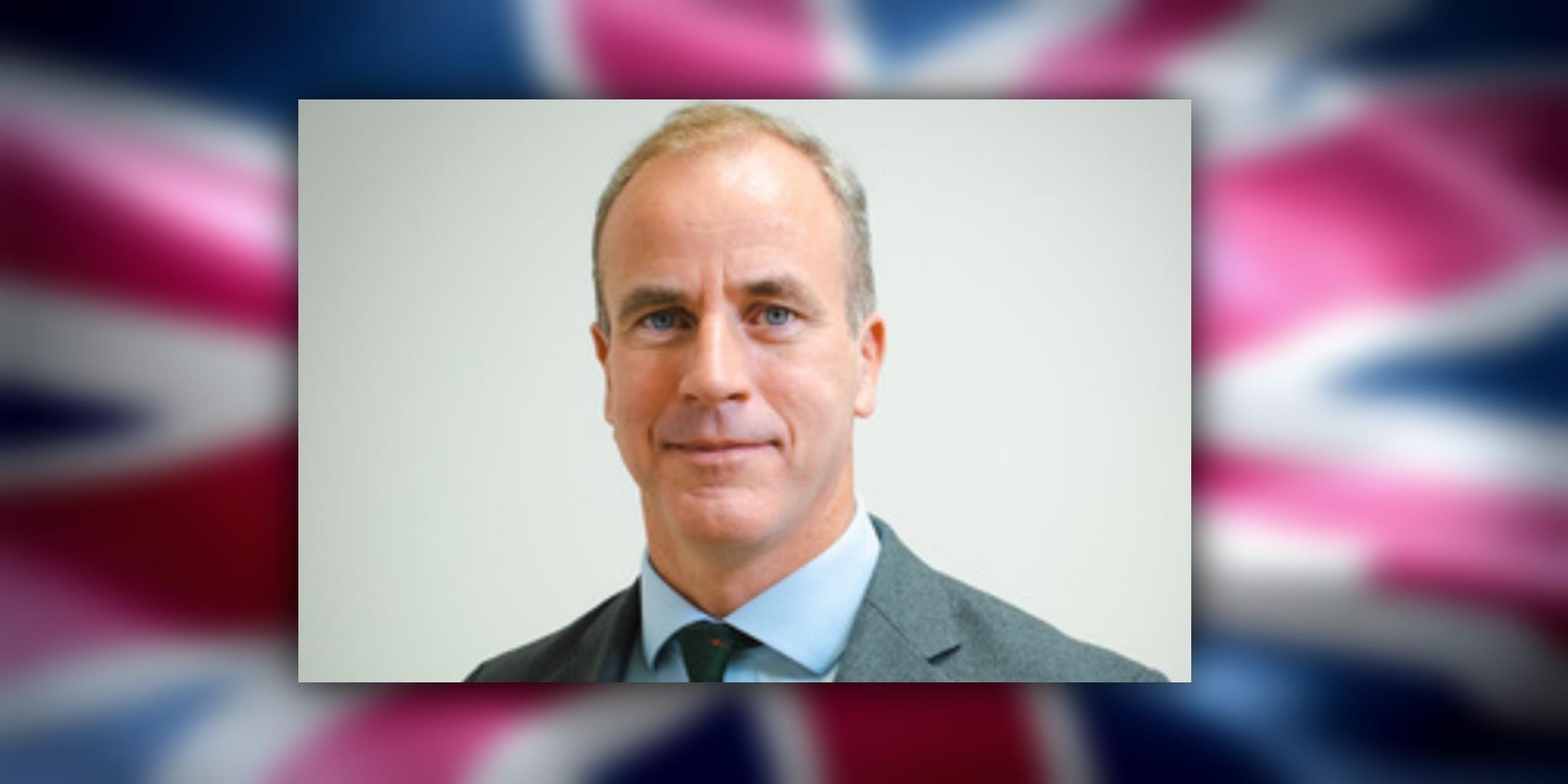 تعرف على السفير البريطاني الجديد في السلطنة