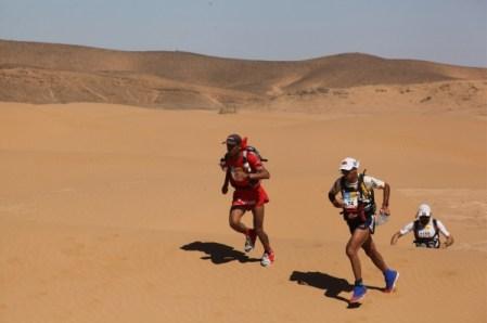 2013-Marathon-des-Sables-Salameh-Al-Aqra-Mohamad-Ahansal-Antonio-Filippo-Salaris