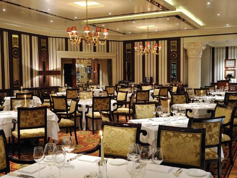 Alfredo's Grand Dining - Χρυσοί Σκούφοι