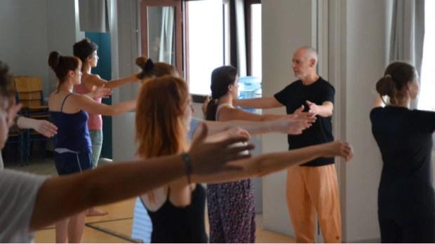 Yoga και πολεμικές τέχνες έγιναν ένα στο εργαστήρι του Phillip Zarrilli