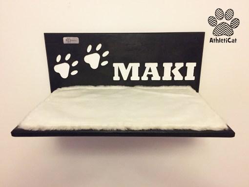 Mensola per gatti in legno con nome inciso