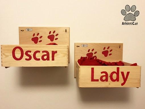Wall mounted cat box