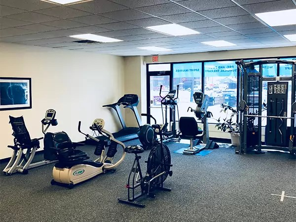 Physical Therapy Des Moines IA  Athletico East Des Moines