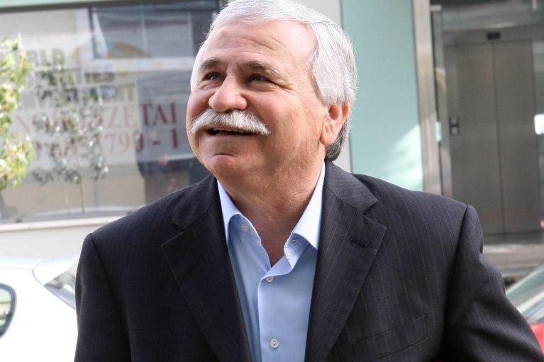 Ο άνθρωπος που έφερε το χαμόγελο στο ελληνικό ποδόσφαιρο