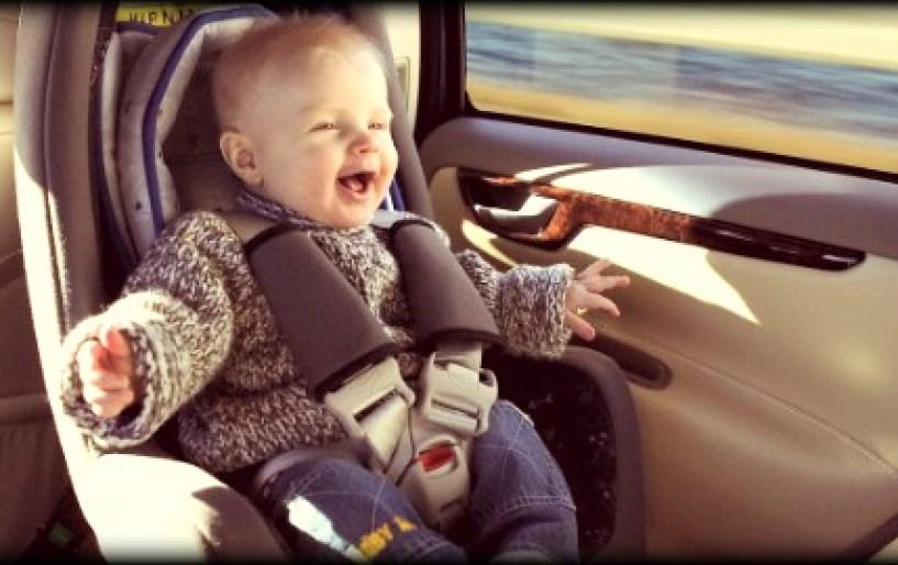 14 πράγματα που πρέπει να έχει στο αυτοκίνητο ένας γονιός