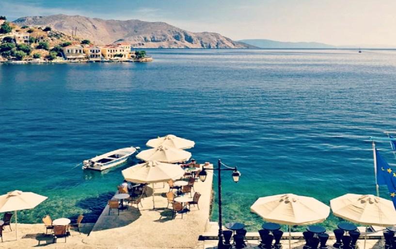 Σε ποιο ελληνικό νησί κολυμπάμε μέχρι τα Χριστούγεννα;